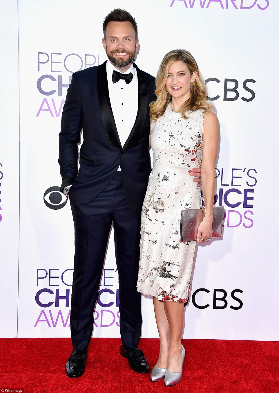 Peoples Choice Awards 2017 Red Carpet Live Daily Mail