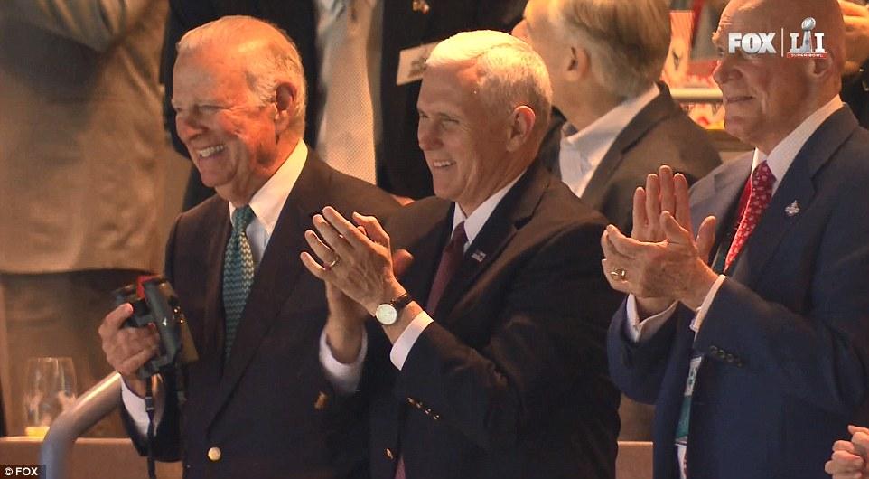 Fã de esportes: Mike Pence é o quarto vice-presidente para assistir ao Super Bowl - nenhum presidente em exercício já participou
