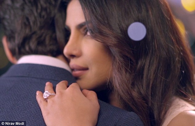 Priyanka Chopra Flaunts Engagement Ring Daily Mail Online
