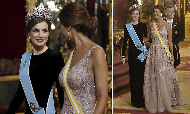 Rainha Letizia dá as boas-vindas à primeira-dama da Argentina em Madri