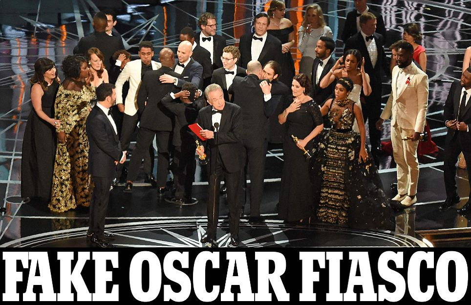 Oscars: La La Land named Best Picture winner by MISTAKE