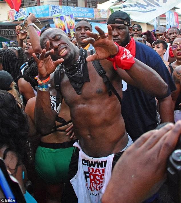 Usain Bolt akigera i Trinidad carnaval