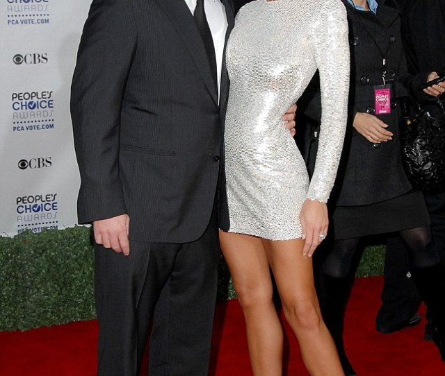 Serious Claims The Gary Unmarried Star Filed For Divorce From Nikki Cox Pictured In