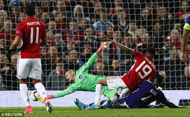 Manchester United won the match against Anderlecht to reach the Europa league last four