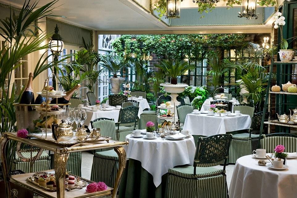 The Chesterfield features an elegant conservatory where delightful afternoon teas are served