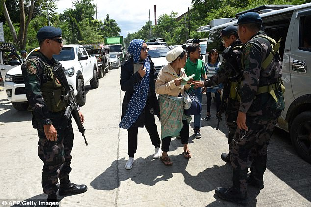 But Marawi Mayor Majul Usman Gandamra has refused to confirm reports the terror group took hostages in Marawi