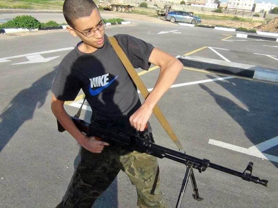 El hermano menor de Abedi Hashem (en la foto), también habría sido detenido en Trípoli, Libia, bajo sospecha de tener vínculos con el ISIS, que se atribuyó el atrocidad