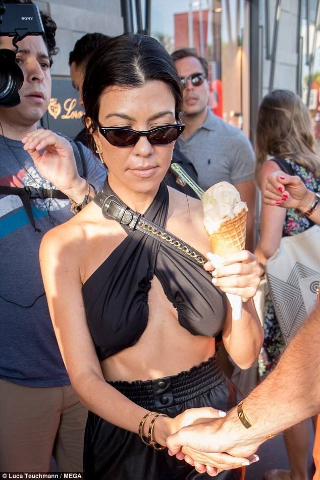 Kourtney Kardashian And Kendall Jenner Braless In Cannes