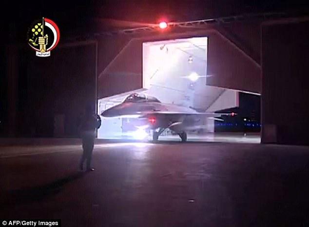 La Fuerza Aérea de Egipto afirma que los ataques aéreos infligido fuertes bajas '' a los combatientes ISIS