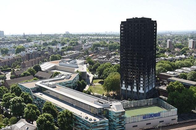 Los residentes trataron de escapar de la torre Grenfell (foto) en el oeste de Londres, en las primeras horas de la mañana del miércoles