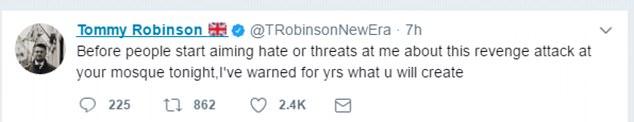 Sr. Robinson dijo que la mezquita había creado 'yihadistas radicales' y era culpable de 'promover el odio y la segregación'