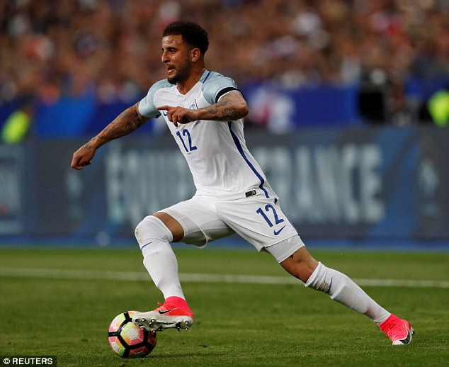 Manchester City remain keen on a deal for Tottenham and England defender Kyle Walker
