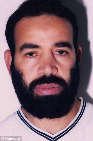 En la foto: Bagdad Meziane, un respaldo al-Qaeda condenado que evitó ser enviado a Argelia