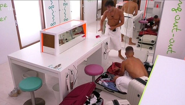 Love Island: Amber leaves her red thong in Kemi's suitcase(Video)