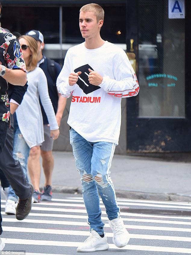 Justin Bieber Shares Instagram Throwback Photo With Eminem