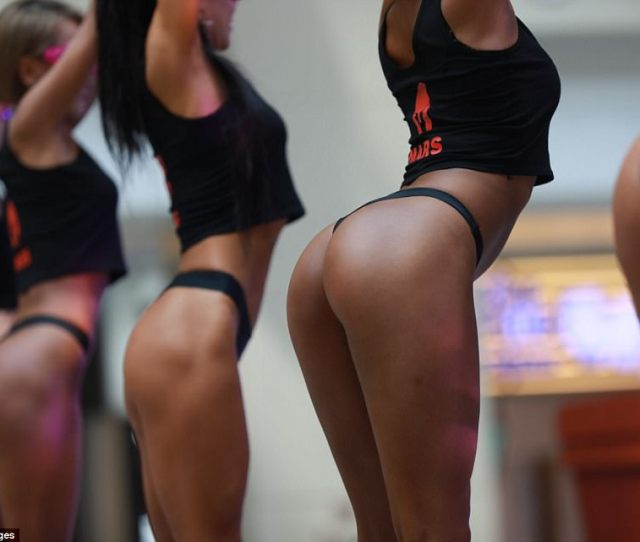 The Most Beautiful Buttocks Contest Was A Part Of A Bodybuilding Competition A Chinese