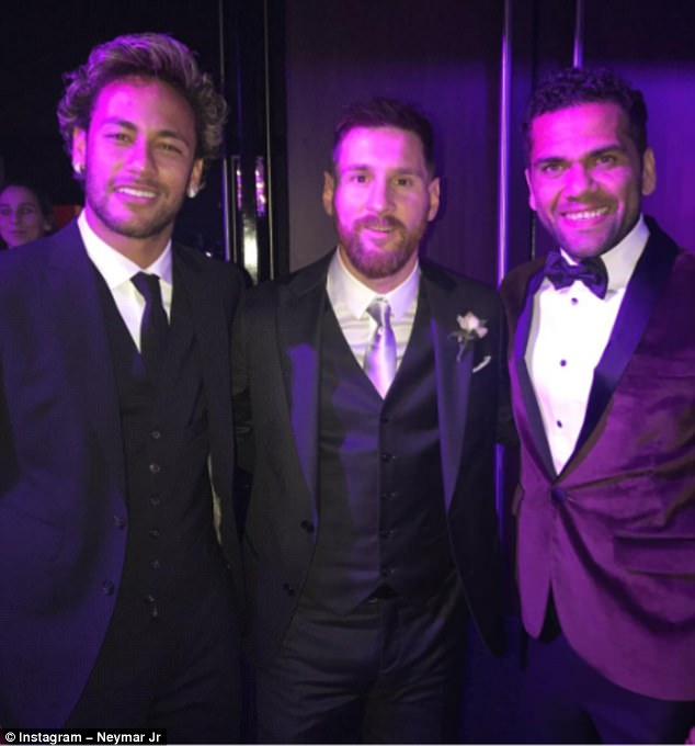 Image result for dani alves and messi are close friend