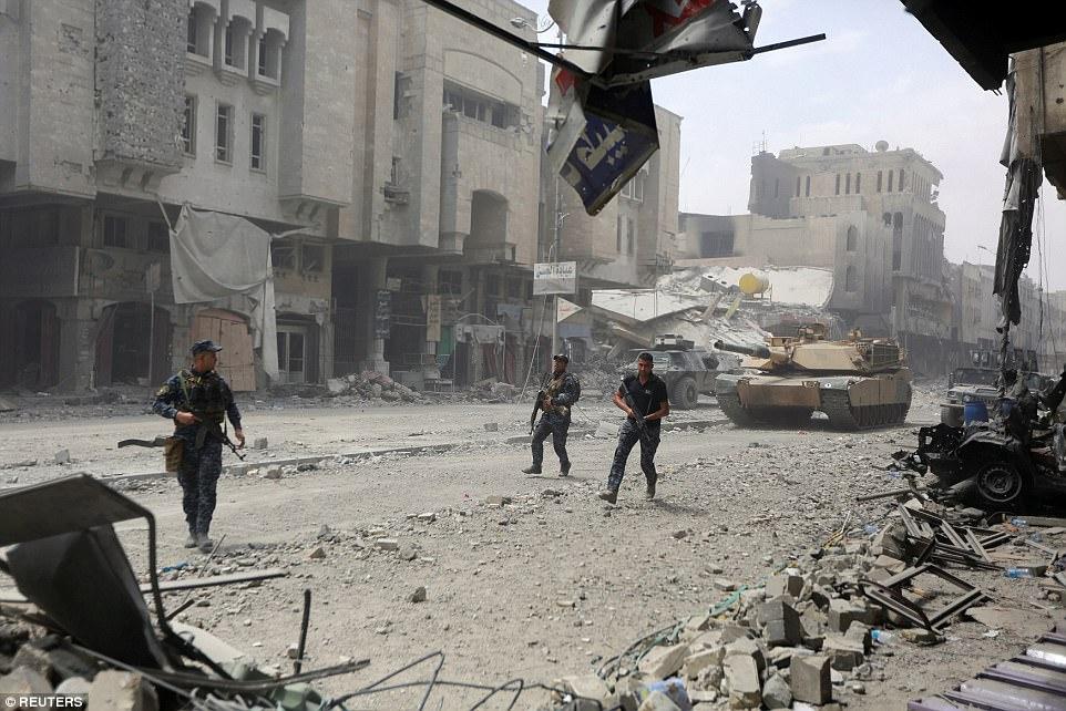 Las fuerzas iraquíes han luchado contra ISIS en los últimos meses, pero finalmente parecen estar tomando el control de la Ciudad Vieja de Mosul
