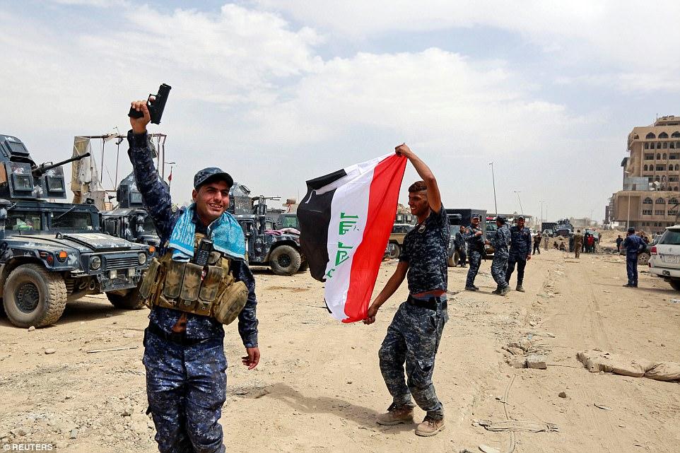 Los oficiales de la Policía Federal iraquí celebrados como operaciones contra ISIS parecían haber llevado al grupo terrorista a un retiro final
