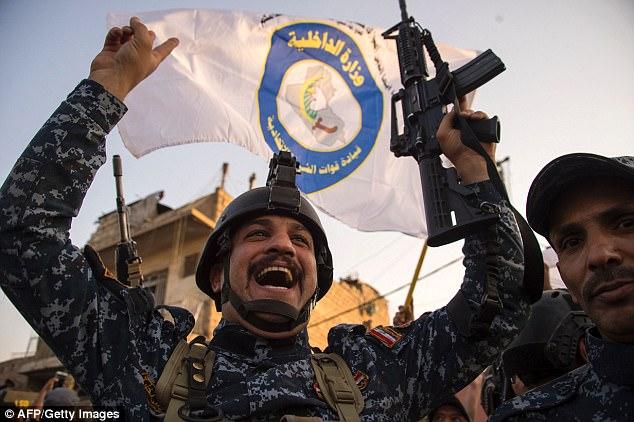 Más de 1.000 soldados iraquíes y de la coalición murieron en la lucha por Mosul, según cálculos oficiales, con ISIS sufriendo pérdidas cercanas al doble