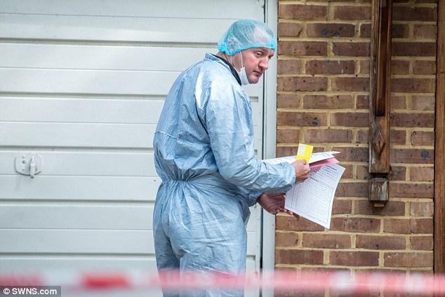La policía llevó a cabo una extensa investigación en la casa de Londres y posteriormente acusó a Vincent Tappu, de 28 años, del secuestro de mujeres