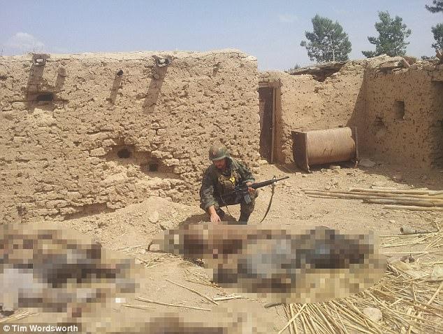 Tim reveló cómo todo fue tomado de los combatientes de ISIS, tales como armas y municiones