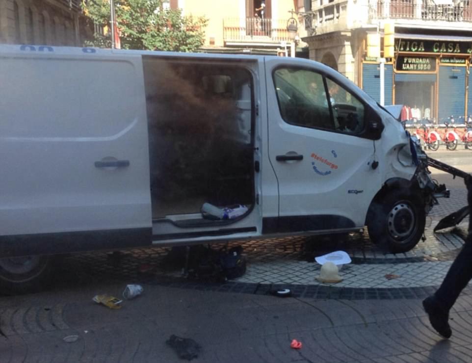 En la foto: ¿Qué se piensa que es la furgoneta que derribó a los peatones en la zona
