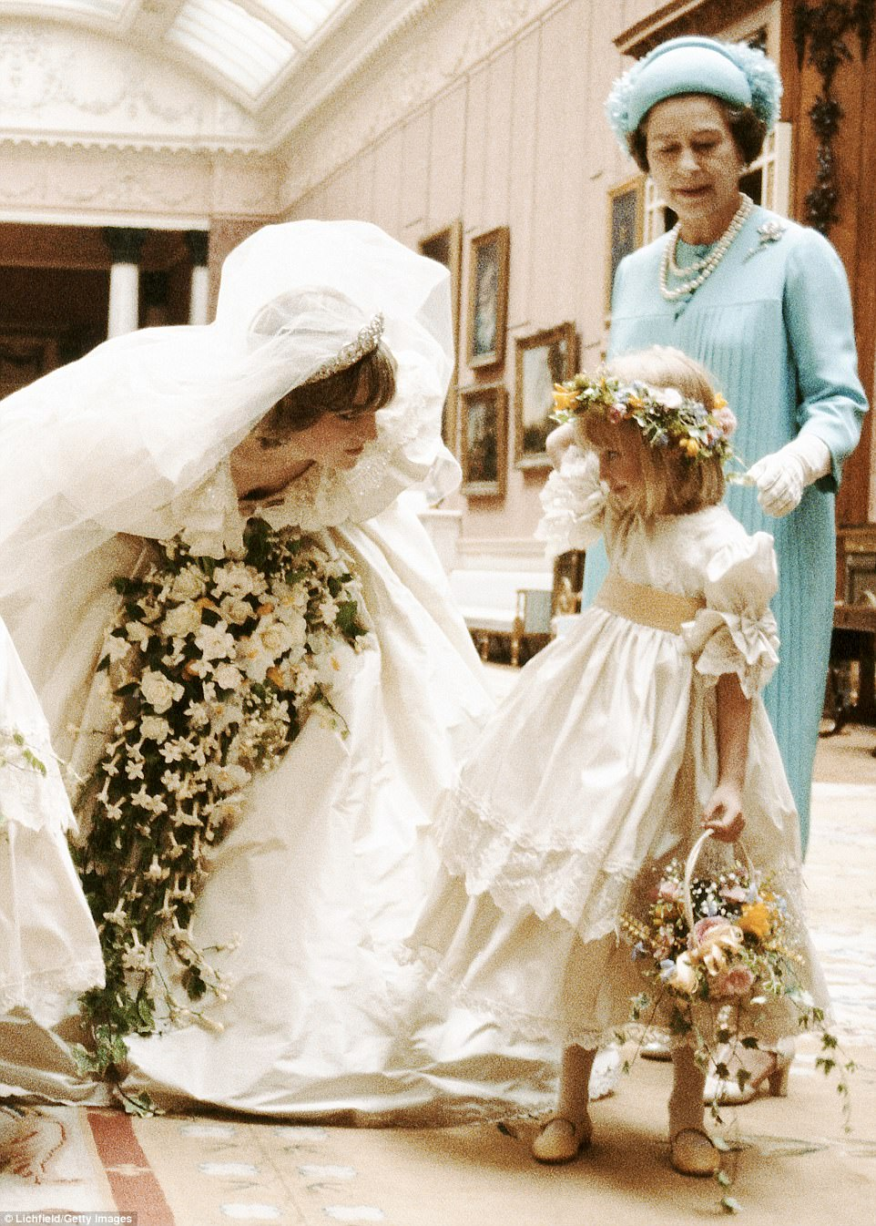 Princess Dianas Wedding Dress By Elizabeth Emanuel