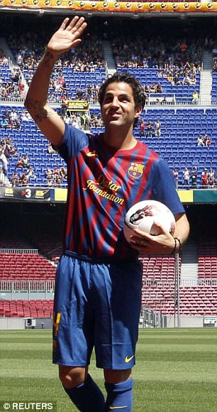 The same happened with Cesc Fabregas in 2011, Wenger should have sold him early and left time to replace adequately