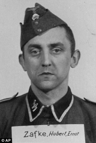Hubert Zafke había enfrentado 3.681 cargos de ser un accesorio para asesinar
