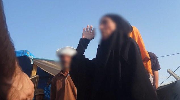 Alrededor de 1.400 mujeres extranjeras e hijos de presuntos combatientes del Estado islámico están siendo detenidos en un lugar secreto en el desierto de Irak