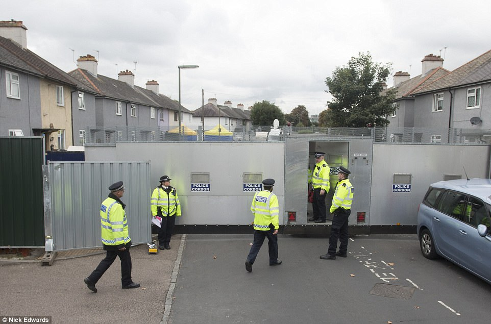 Police officers have sealed off part of Cavendish Road in Sunbury-on-Thames as they search a property in connection with the Parsons Green bombing
