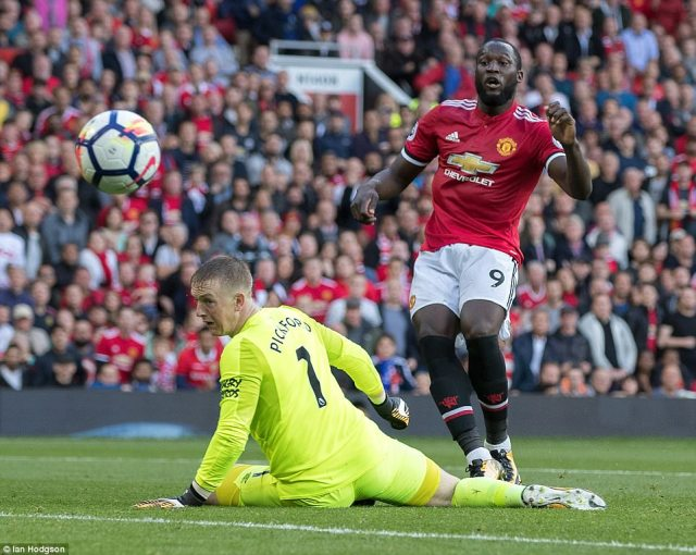 Lukaku shrugged off Ashley Williams and looked set to score but he curled his shot a yard wide of the right-hand post