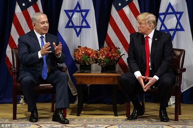 """Trump dijo el lunes que cree que hay una """"buena oportunidad"""" para que su gobierno pueda facilitar un acuerdo de paz en el Medio Oriente"""