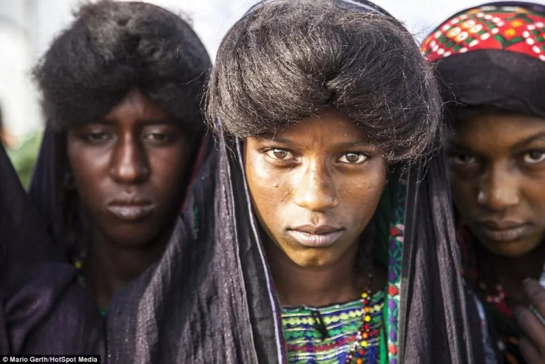 The ritual makes up part of the Cure Salée - the 'Festival of the Nomads' - where the Wodaabe and Tuareg people gather to mark the end of the rainy season in Niger, Western Africa