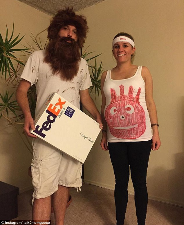 pregnant women use ps in their halloween costumes daily mail online