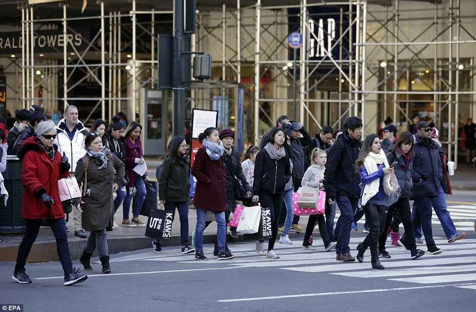 MANHATTAN: Shoppers in Manhattan braved the cold to make the most of the deals across the city's stores