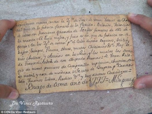 The note dates back to 1777 and is signed by Joaquin Minguez, priest of the cathedral of Burgo de Osma at the time, the statue's restorers claim