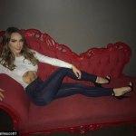 Eminem's Stunning Daughter,Hailie Scott Show off Sic' Abs