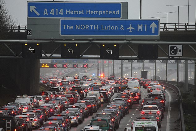 The collision happened at junction 8 for Hemel Hempstead causing major disruption on the roads