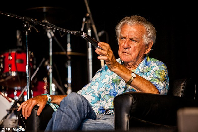 Former Prime Minister Bob Hawke (pictured) told attendees of the Woodford Folk Festival Malcolm Turnbull should resign