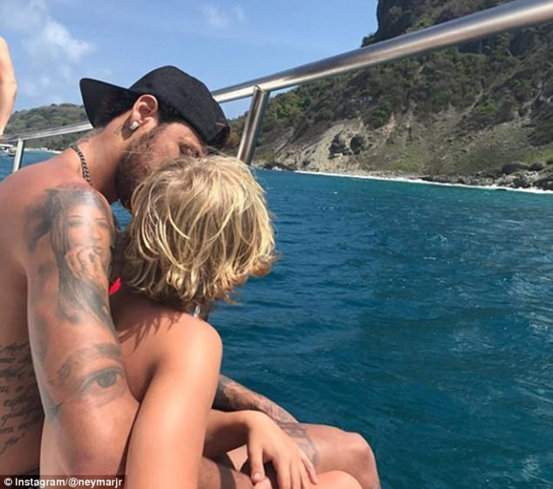 Neymar used New Year to show his love for son Davi, this picture captioned 'my best friend'