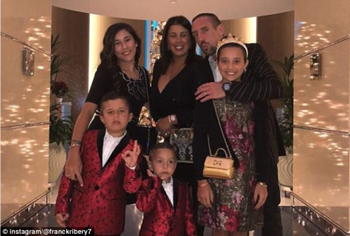 However the theme of New Year 2018 was family, demonstrated by Franck Ribery