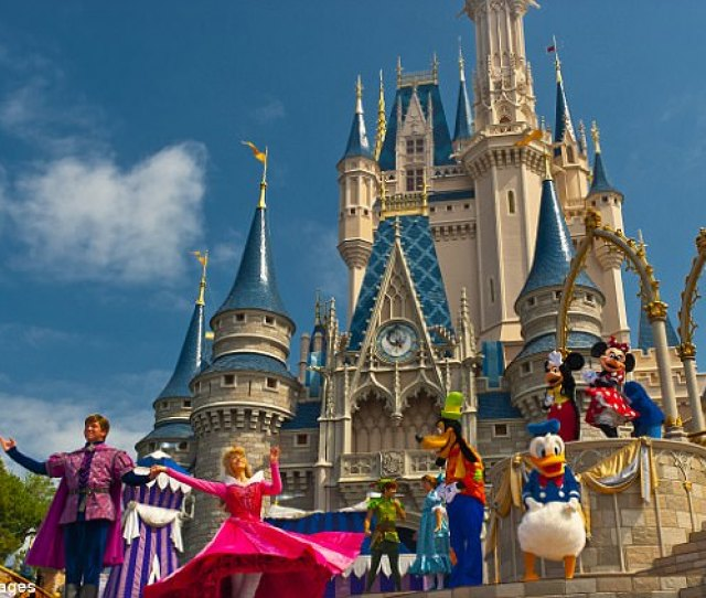 A Former Disney World Florida Cast Member Has Revealed The Secrets Of Working In The Park