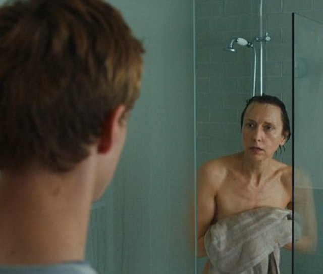 Video Simon Walks In On Mother Alice In The Shower In Channel S Kiri Daily Mail Online