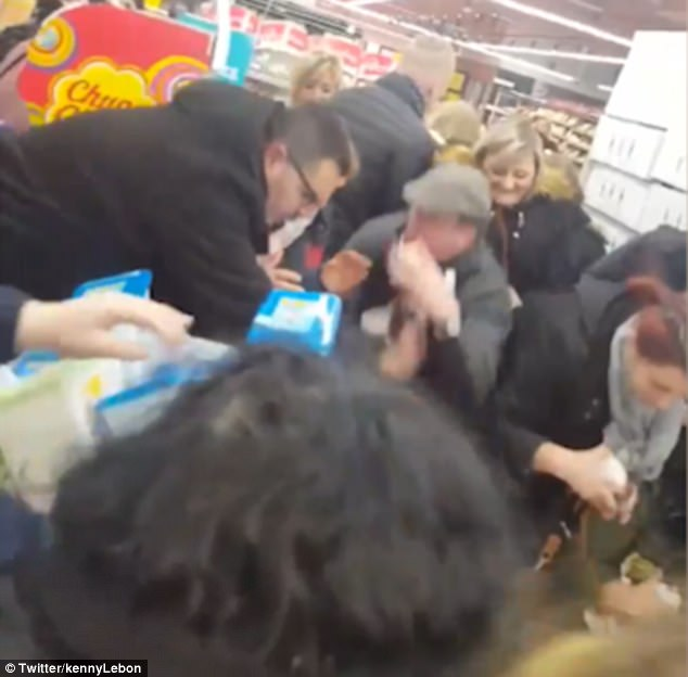70% discount on Nutella in French supermarkets causes chaos as shoppers scramble to secure the spread (photos)