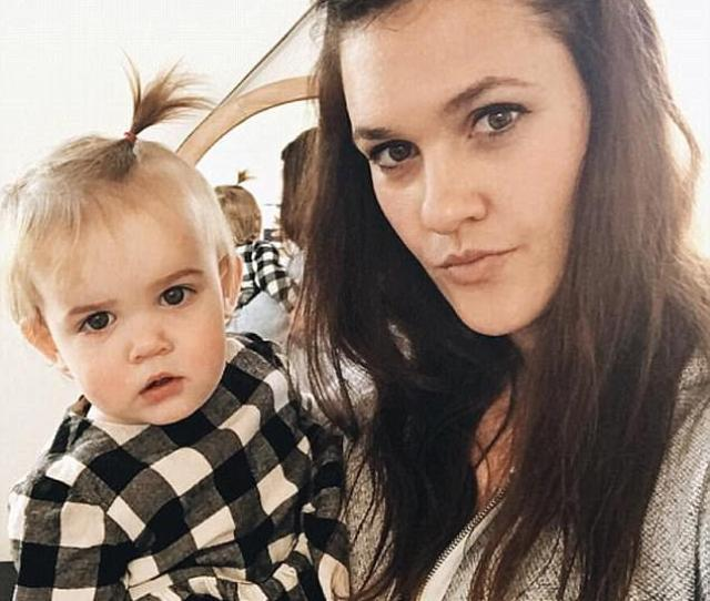 Katie Stauffer With Her Social Media Sensation Daughter Mila The Arizona Toddler Has Such A