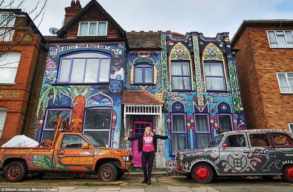 Artist Transforms Her West London Home Into A Giant Mosaic Daily Mail Online