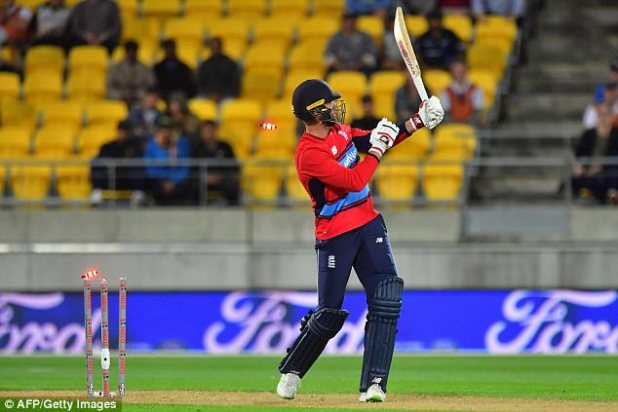 Liam Plunkett was one of a number of England batsmen that fell in the final few overs