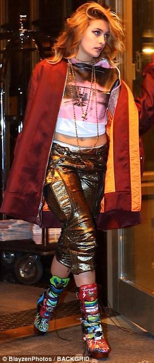 Selvagem e fora! Paris Jackson lançou sua cueca Calvin Klein e exibiu um conjunto colorido na noite de terça-feira enquanto ela partia em Manhattan durante a New York Fashion Week